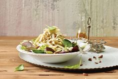 Käse-Fenchel-Salat mit Haselnüssen - Annemarie Wildeisens KOCHEN