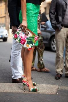 """Floral Clutch & matching Pumps!! Normally I'm not a fan of being """"matchy matchy,"""" but this works!"""