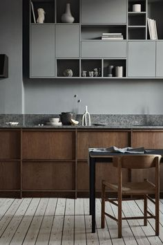 Award Winning kitchens in Scandinavian Design – Nordiska Kök - Küche Rustic Kitchen Design, Farmhouse Style Kitchen, Modern Farmhouse Kitchens, Home Decor Kitchen, Interior Design Kitchen, Kitchen Furniture, Wooden Kitchens, Furniture Stores, Kitchen Ideas