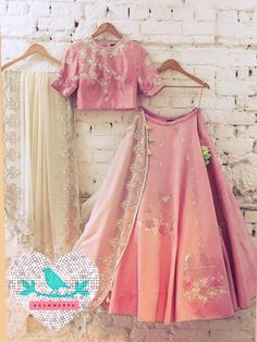 Bird Cage Lehenga Summer by Priyanka Gupta 06 January 2017 Indian Wedding Outfits, Indian Outfits, Mehendi Outfits, Indian Clothes, Western Outfits, Indian Attire, Indian Wear, Mode Bollywood, Lehenga Designs