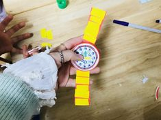 생활도구 : 종이컵을 이용하여 시계 만들기시계 만들기 생활도구 주제로 만들기 할 수 있는 활동입니다. 먼...