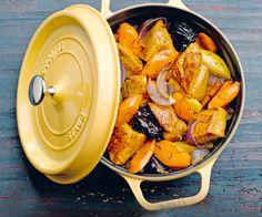 Voici une recette très facile à faire : La cocotte de porc aux carottes et aux pruneaux. Un plat gourmand en perspective.