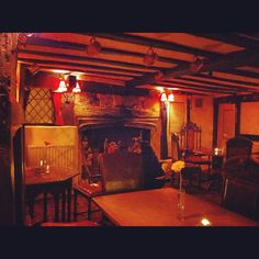 Crowded now but an earlier photo inside #medieval #TheLamb #LambInn #OldTown #Eastbourne #England via @sparrow_tweets