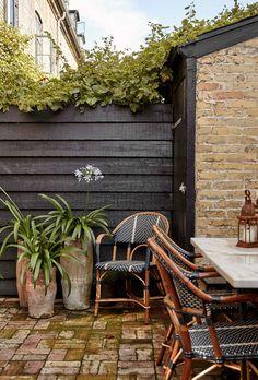Peek Inside An Elegant Yet Inviting Copenhagen Townhouse - Nordic Design Indoor Outdoor Living, Outdoor Chairs, Outdoor Decor, Balcony Design, Wooden Kitchen, Nordic Design, Scandinavian Home, Interior Design Services, Danish Design