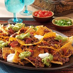 Bacon Nachos Black Bean Nacho Recipe, Bean Nachos Recipe, Tailgating Recipes, Ground Beef, Food Processor Recipes, Side Dishes, Bacon, Cooking Recipes, Stuffed Peppers