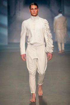 I can imagine a really Cool futuristic movie, here's the wardrobe. Fashion Models, High Fashion, Mens Fashion, Fashion Trends, Cubism Fashion, Costume Blanc, Stylish Men, Types Of Fashion Styles, Costume Design