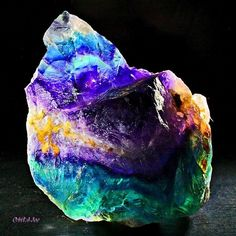 Why Fluorite Comes in Different Colors? With Examples | Geology IN