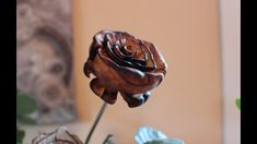 Carving a rose from willow tree with Dremel 4000 - Top Trends Wood Carving Faces, Dremel Wood Carving, Wood Carving Art, Stone Carving, Wood Burn Designs, Wood Carving Designs, Wood Carving Patterns, Dremel 4000, Dremel Tool
