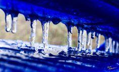 Theme:Sparkling| Title:Blue Icicles