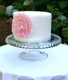pretty pink flower cake - sometimes the inspiration to great things comes from unexpected sources ;-)