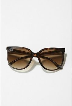 Jackie O Ray Bans. Pretty please!