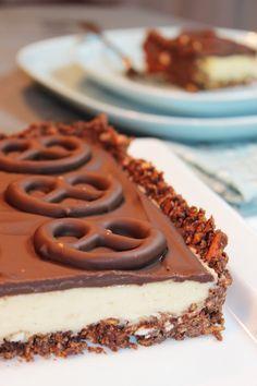 Schokoladen-Brezeltarte mit Erdnuss