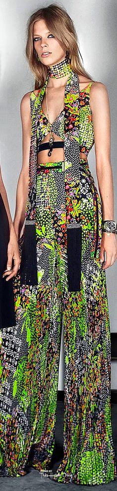 #Farbbberatung #Stilberatung #Farbenreich mit www.farben-reich.com Versace Resort 2016 ♔ Très Haute Diva