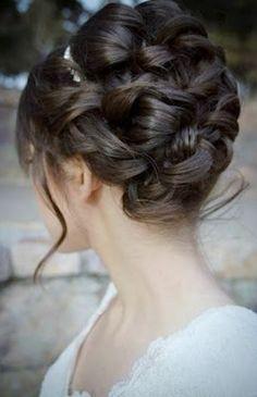 Bride's loose curls updo