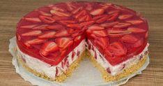 Λαχταριστό γλυκό ψυγείου και πολύ νόστιμο! Eνα μπισκοτογλυκό με φράουλες, το οποίο θα το κάνετε πολλές φορές! Υλικά Για την Βάση 250 γρ... Chocolate Sweets, Love Chocolate, Catering Table, Greek Sweets, Cooking Recipes, Healthy Recipes, Healthy Food, Cold Desserts, Strawberry Desserts