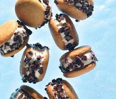 Healthy alternative ice cream sandwiches made with light vanilla ice cream, nilla wafers and dark chocolate chips