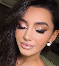 a queens guide to pageant makeup 30 Glam Makeup, Skin Makeup, Makeup Inspo, Makeup Inspiration, Makeup Ideas, Beauty Make-up, Beauty Hacks, Hair Beauty, Beauty Bay