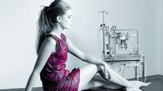 Futuro Textiles - Caroline David -  Un vestido de bacterias fermentadas del vino. Nuevos materiales, sorprendentes texturas. Obras de  artes inspiradas por innovaciones textiles. http://www.futurotextiles.com/fr/