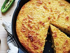 Spicy Jalapeno Cornbread from Cooking Light Jalapeno Cornbread, Cornbread Recipes, Jalapeno Recipes, Cornbread Muffins, Corn Recipes, Healthy Recipes, Side Recipes, Chili Recipes, Healthy Food