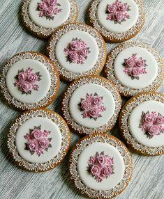 A Kindred Spirit Fancy Cookies, Iced Cookies, Biscuit Cookies, Cute Cookies, Easter Cookies, Cupcake Cookies, Sugar Cookies, Cookie Frosting, Royal Icing Cookies