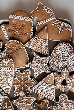 Cute Christmas Cookies, Christmas Brunch, Christmas Sweets, Christmas Mood, Holiday Cookies, Easy Gingerbread Cookies, Gingerbread Decorations, Holiday Baking, Christmas Baking