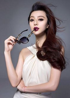 Hairdos For Short Hair, Short Hair Styles, Actress Fanning, Asian Men Hairstyle, Fan Bingbing, French Twists, Chinese Actress, Girls With Glasses, Angelina Jolie