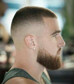 Crew Cut Haircut, Short Fade Haircut, Beard Haircut, Very Short Hair Men, Short Hair Cuts, Faded Beard Styles, Hair And Beard Styles, Military Haircuts Men, Haircuts For Men
