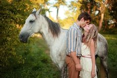 Tennessee Engagement session by Amber Davis Photography #horses #romantic #sweet #engagement #love