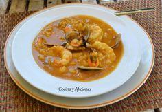 Sopa de pescado con arroz y mariscos, receta paso a paso. La sopa de pescado es una delicia gastronómica de primera, vamos a preparar un plato de fiesta pero acorde a la estación invernal, caliente, nutritivo y sustancioso pero delicioso, elegante y delicado, un plato de chef con unas cuantas estrellas aunque sea una receta muy tradicional de esas de toda la vida. ... http://wp.me/p1smUs-b3m