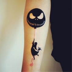 'The Nightmare Before Christmas' tattoo, artist unknown. #minimalist #nightmarebeforechrismas #thenightmarebeforechristmas #TimBurton #jackandsally #classic #film #popculture #couple