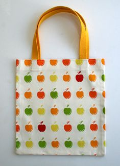 josie and I are going to make these as teacher's gifts - looks like a great beginning sewing project for her