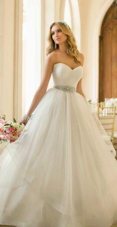 Best Wedding Dresses of 2014 ~ Stella York | bellethemagazine.com