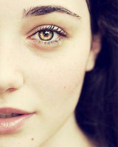 Carly's eyes