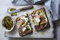 Open steak sandwiches