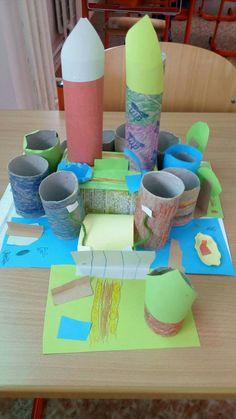 Zámek z ruliček od toaletního papíru.  Paper castle