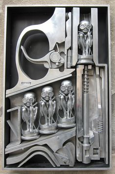 H.R Giger's Birth Machine. The amazing sculpture who brought Alien to life