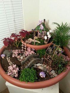 35 Beautiful Fairy Garden Ideas That Easy To Make It