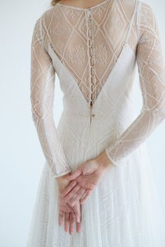 The dress is made of high-quality Italian lace and hand-embroidered repeating its pattern. Boho Style Dresses, Fashion Dresses, Bridal Gowns, Wedding Gowns, Bohemian Mode, Plus Size Wedding, Tulle Wedding, Silk Dress, Silk Skirt