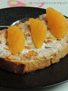 Tartine aux amandes et fleur d'oranger