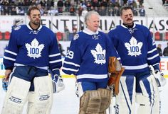 Generations of Toronto Maple Leafs goalies collide at Centennial Classic. Hockey Shot, Hockey Goalie, Field Hockey, Ice Hockey, Maple Leafs Hockey, Goalie Mask, Nhl Jerseys, Nfl Fans, National Hockey League