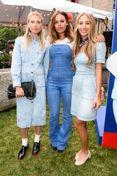 Atlanta de Cadenet, Dree Hemingway and Harley Viera-Newton at Stella McCartney's Resort 2016 presentation in NYC absolutely nail their triple denim look, Musketeers style. Multi-tonal, bleached out and perfect for summer events <3