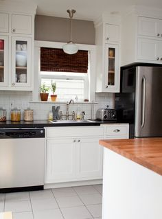 possible paint color for kitchen: wall - Benjamin Moore Rockport Gray HC-105, cabinets - Benjamin Moore White Dove OC-17