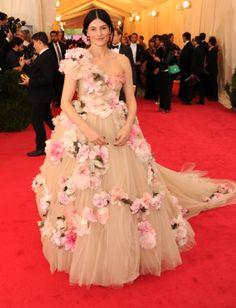 Tabitha Simmons in Dolce & Gabbana. I heart this dress! #fashion #metgala