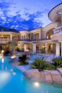 Mediterranean Villa, gorgeous pool with this home. I love this look in Florida! The Mediterranean villa❤️❤️ Luxury Pools, Luxury Resorts, Belle Villa, Dream Pools, Cool Pools, Awesome Pools, House Goals, Pool Designs, Backyard Designs