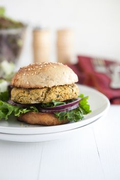 An easy vegetarian burger alternative, these chickpea burgers are easy to assemble, cook up quickly, and can be easily adapted for most diets. Burger Recipes, Veggie Recipes, Whole Food Recipes, Vegetarian Recipes, Healthy Recipes, Spinach Recipes, Bean Recipes, Healthy Habits, Hamburgers