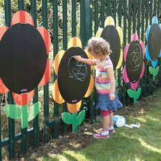 Outdoor Mark Making Daisies. A TTS exclusive and winner of a Practical Pre-School Silver Award 2011 (Creative Play Category) Bright, attractive and weather resistant these delightful chalkboard Daisies will extend your outdoor classroom and add an eye-catching splash of colour. Make good use of dull playground fencing or walls and transform them into fun, exciting and inspiring areas for young children to explore outdoor drawing and mark making. A truly open ended resource.