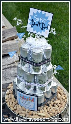 Baby shower for dads beer cake for a man shower baby shower gifts parents want Craft Gifts, Diy Gifts, Beer Can Cakes, Cake In A Can, Man Shower, Daddy Day, Decoration Table, Birthday Gifts, Birthday Beer