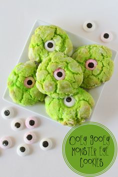 [Halloween] Ooey Gooey Monster Eye Cookies #halloween #diy #recipe