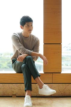 It is past midnight where I am at, and I am risking my health because of Song Joong Ki and Song Hye Kyo. But this is worth it! I hope … Anyway, check out some promo shots the two did f…