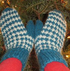 Boxing Day Mittens by Estella Haines - As a special gift this holiday season, this pattern will be free through December 31st. Merry, merry!